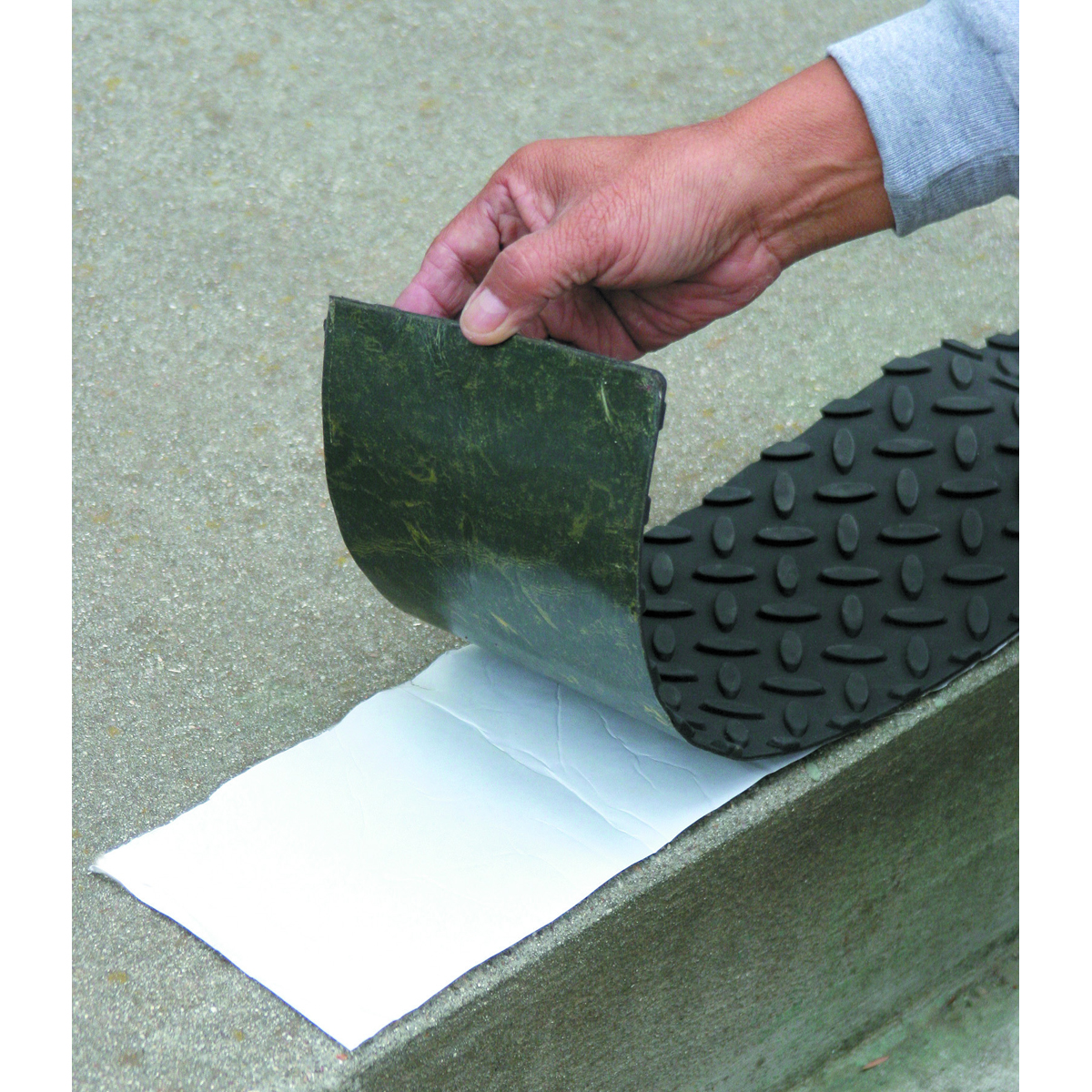 Self Adhesive Rubber Safety Step Tread
