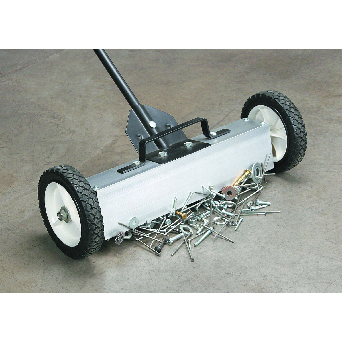 22 Quot Magnetic Floor Sweeper With Release