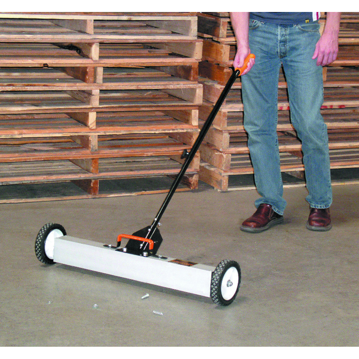 30 Quot Magnetic Sweeper With Wheels