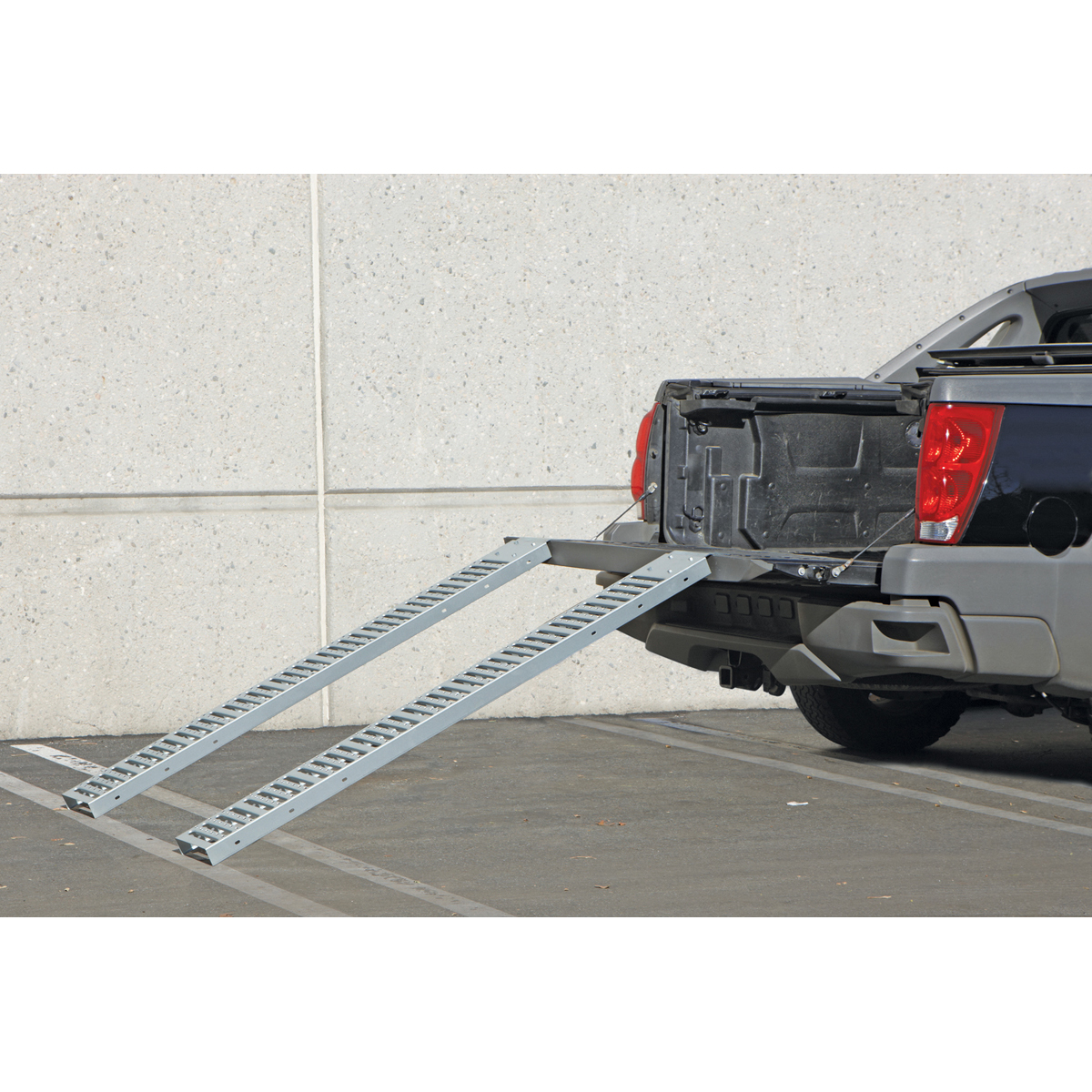 1000 Lbs Capacity 9 In X 72 In Steel Loading Ramps Set
