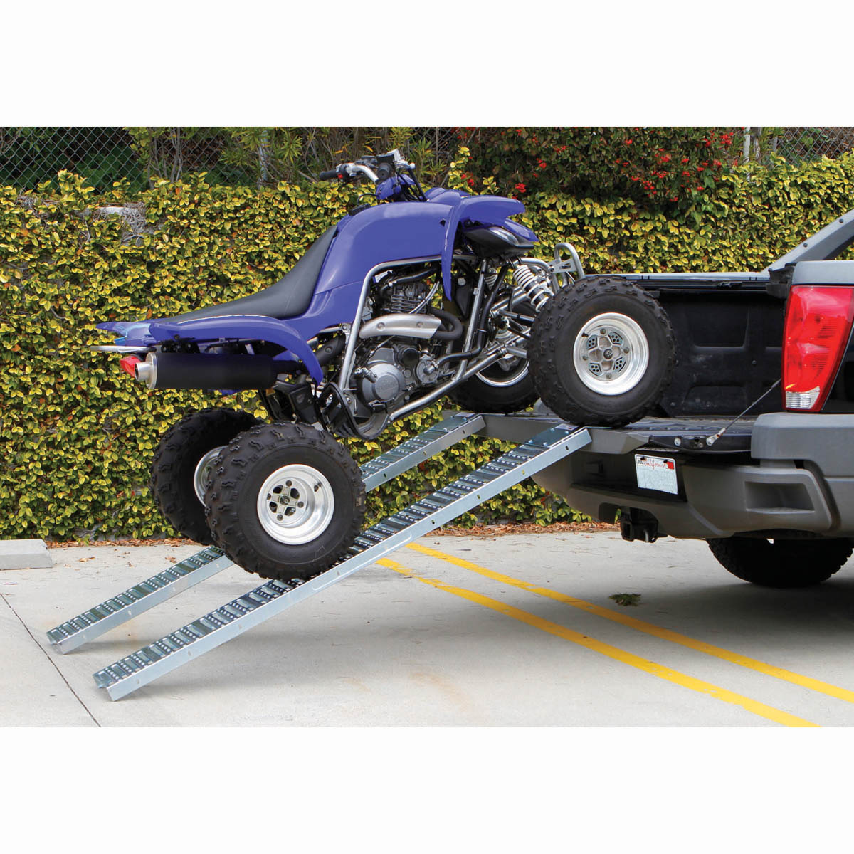 Harbor Freight Mower : Lbs capacity in steel loading ramps