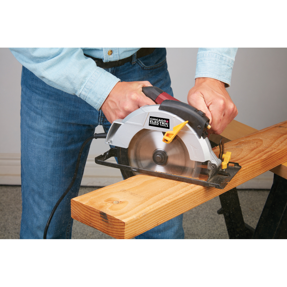 Circular Saw Rip Guide--My Version: 6 Steps (with Pictures)